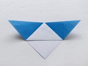 fold line 4